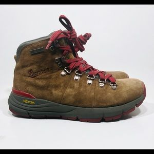 Danner Womens Boots Mountain 600 Brown/Red Size 7